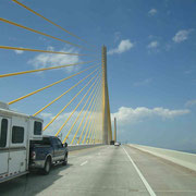 Eine von vielen Brücken, welche die verschiedenen Inseln miteinander verbindet...
