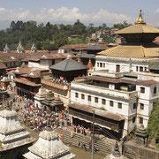 Katmandu, Pashupatinatl cremazioni