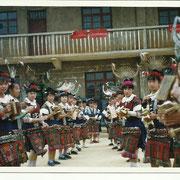 Villaggio Miao, danze folkloristiche - Miao village, local dances