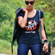 Keykoamodel con camiseta personalizada. La primera blogger con la que colaboró THG en 2012