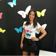 """Nuria Marin, presentadora de """"Cazamariposas"""" con nuestra camiseta """"Caramelos con forma de Corazones"""" 28/01/2016"""