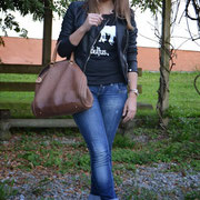 "Miss Peonies con camiseta ""The Beatles"""