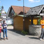 Vortrag im Bereich des früheren Handwerkerviertels des römischen Vicus Jagsthausen zum Thema römischer Keller anläßlich Event der Fa. BIT Ingenieure