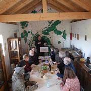 """""""Wiederholungstäter"""" erfüllen mich schon etwas mit Stolz - Teilnehmer des """"Toastmaster COT"""" im Frühjahr hatten sich diese private Familienfeier gegönnt und haben uns so nicht nur verbal ein Erfolgserlebnis erleben lassen.      Berthold Liebig beim Vortrag"""
