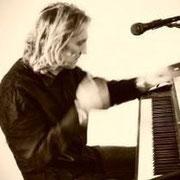 Gregor Wittner - Piano/Hammond/Voc