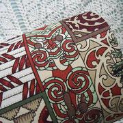 #267_マオリ伝統柄の宝箱型カルトナージュ_04(フタ真上)