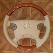 Mersedes-Benz, бежевая кожа, черная нить. зашита подушка