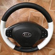 KIA, черно/белая автокожа, черная нить