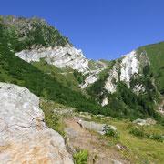 Da Stüéi 1865 m verso il Passo Vanit