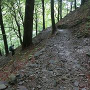 Sul sentiero che sale a Pian Cusello