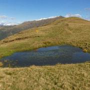 Laghetto tra il Monte Cucco ed il Colmo di San Bernardo