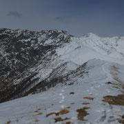 Dal Monte Zuccaro verso la Testa Fontai e Gridone