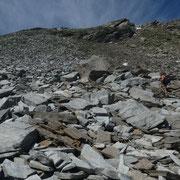 Pietraia durante la salita al Pass de Omenit