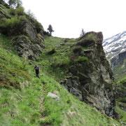 Sul sentiero per l'Alpe di Giumello