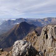 Al centro il Monte Pidaggia