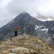 Sulla cima quotata 2212 m