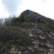Verso la cima quotata 2133 m