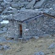 Baita al Pass di Passit 2082 m