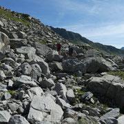 Dai Laghetti 2442 m saliamo alla Fuorcla dil Lai Blau