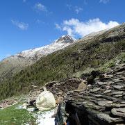 Dall'Alpe di Gagèrn verso il Pizzo di Claro