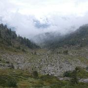 Nuvole e nebbia ci accompagnano........