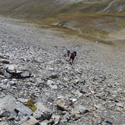 Ripida salita su detriti pietrosi