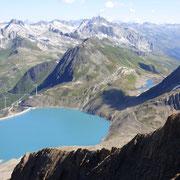 Dalla Punta dei Camosci 3044 m .......