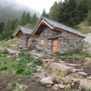 Alpe Cassengo 1624 m, stabili rifatti a nuovo