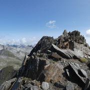 Sulla cresta verso il Nufenenstock