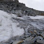 Piccolo ghiacciaio sotto il Piz Moesola