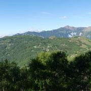 In primo piano il Monte Bigorio