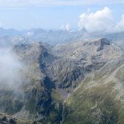 Verso i Laghit de Val Rossa ed il Piz Motton