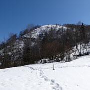 Ai piedi del Monte Giove deviamo per i Monti Piè