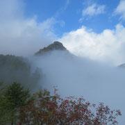 Cima senza nome quotata 2210 m, sulla cresta Cima d'Aspra - Gaggio