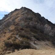 Il sentiero che scende dal Monte Grona a La Forcoletta