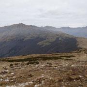 Dal Monte Cucco 1624 m verso il Gazzirola