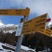All'Alpe Forcarid 1713 m seguo la deviazione per Motto