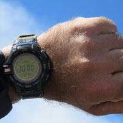 Alzando il braccio l'orologio segna 3000 m di altitudine