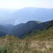 A destra il pianoro dell'Alpe Cardada