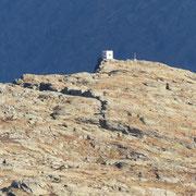 In lontananza la Punta di Larescia