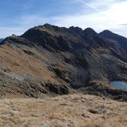 Lago di Mottella e Pizzo Bareta