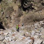 In ripida discesa per riprendere il sentiero più in basso