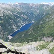 Dalla Cima di Sassalto 2427 m verso il Lago del Sambuco