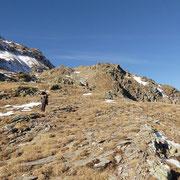 A circa 2400 m la prima neve ....