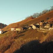 Roncapiano 957 m visto da Scudellate