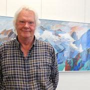 TRIAS 2019 Herr Huusmann vor einem seiner Bilder