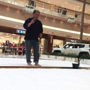 小田原ダイナシティ:大作書画パフォーマンス2/12:笑文字:齋藤史生