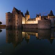 Das Schloss von Sully-sur-Loire in der blauen Stunde