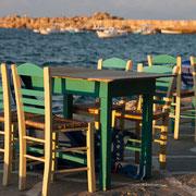 Tische in Koroni