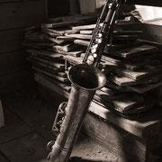 Saxophon auf dem Speicher